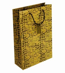 Medium-Snake-Paper Bags with Gift Tag