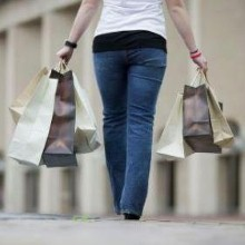 Consumers support UK plastic bag charges